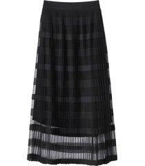 lång, plisserad kjol i randig tyll