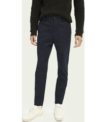 scotch & soda fave – gestructureerde chino | loose tapered fit