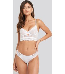 na-kd lingerie flower lace cheeky panty - white