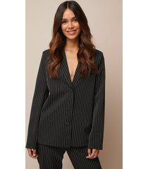donnaromina x na-kd pinstriped straight blazer - black