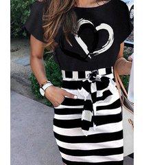 vestido a media pierna bolsillos laterales de rayas gráficas negro