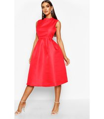 boutique gala jurk met hoge kraag, rood