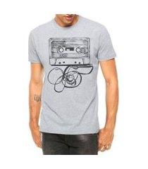 camiseta criativa urbana fita cassete k7 manga curta