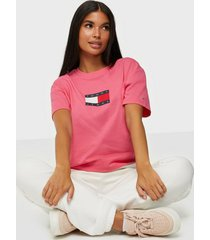 tommy jeans tjw tommy flag tee t-shirts