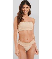 na-kd swimwear smocked flounce bikini panty - beige