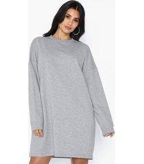 missguided basic sweater dress långärmade klänningar