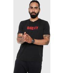 camiseta negro-rojo oakley stars short sleeve tee