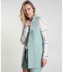 colete feminino longo alfaiatado com bolsos verde claro