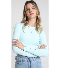 blusa feminina cropped canelada com botões manga longa decote redondo azul claro