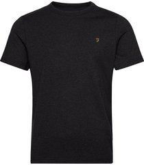 dennis ss tee t-shirts short-sleeved svart farah