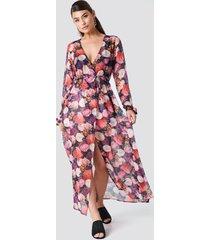 na-kd boho open sleeve chiffon coat dress - multicolor