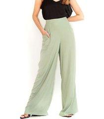 pantalón tipo palazzo, fluido, color verde esmeralda de tiro alto y bota amplia color-verde-talla-10