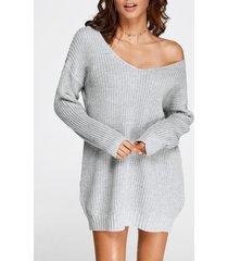 suéter de punto gris de gran tamaño con cuello de pico pronunciado vestido