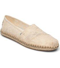 natural hibiscus floral lace loafers låga skor creme toms