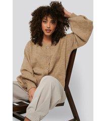 na-kd short chunky knit cardigan - beige