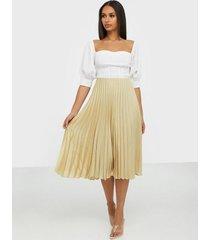 neo noir claire plisse skirt midikjolar