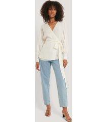 na-kd flowy overlap blouse - white