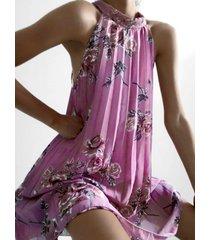 halter sin mangas con estampado floral al azar plisado vestido
