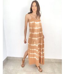 vestido marrón odas