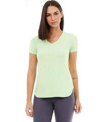 t-shirt alto giro skin fit alongada gola v verde joy 2111701 tea green