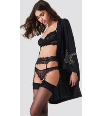 na-kd lingerie romantic lace suspender - black