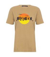 t-shirt feminina arpoador ouro - marrom