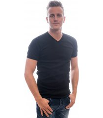 petrol industries men t-shirt basic v-neck black.