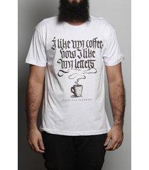 camiseta coffee & letters