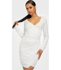 nly one long sleeve wrap dress fodralklänningar