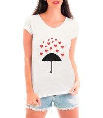 camiseta bata criativa urbana chuva de corações guarda-chuva amor