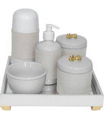 kit higiene espelho completo porcelanas, garrafa pequena e capa flor de liz dourado quarto bebê unissex