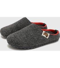 pantuflas gris gumbies