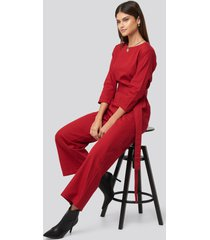 na-kd trend belted waist detail jumpsuit - red
