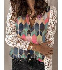 camicetta a maniche lunghe patchwork in pizzo con stampa geometrica per donna