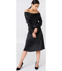 na-kd party ruched detail off shoulder dress - black