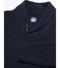 maglia con collo a scialle