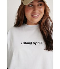na-kd trend ekologisk i stand by her t-shirt - white