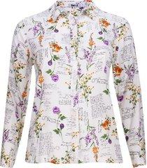 camisa flores y letras color blanco, talla 20