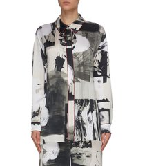 'lyn' graphic print flared back blouse