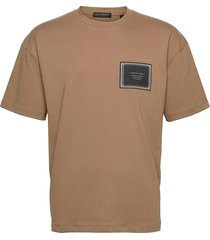 jersey crewneck tee with chest label t-shirts short-sleeved brun scotch & soda