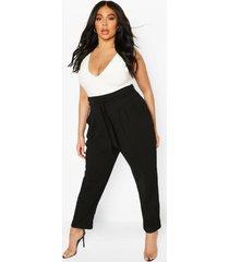 geplooide broek met wijde pijpen en riem met hoge taille in plusmaten, zwart