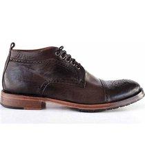 zapato marrón briganti percy