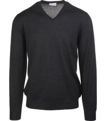 dark grey v-neck man pullover