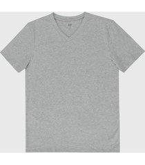 camiseta gris claro gap