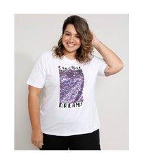 "t-shirt feminina plus size mindset com bordado carnaval dreams"" e paetês dupla face manga curta decote redondo branca"""
