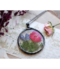 suszone kwiaty w okrągłym naszyjniku, duży