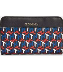tommy hilfiger women's monogram zip wallet arizona red/multi -