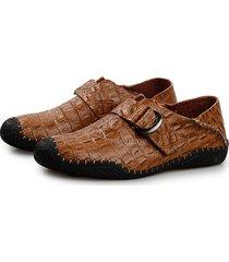 scarpe da cucire casual con gancio a forma di coccodrillo