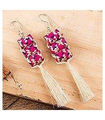 palm fiber dangle earrings, 'fingertraps' (mexico)