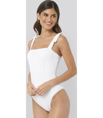 na-kd swimwear structured tie shoulder swimsuit - white